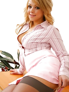 Big Tits Stockings Pics